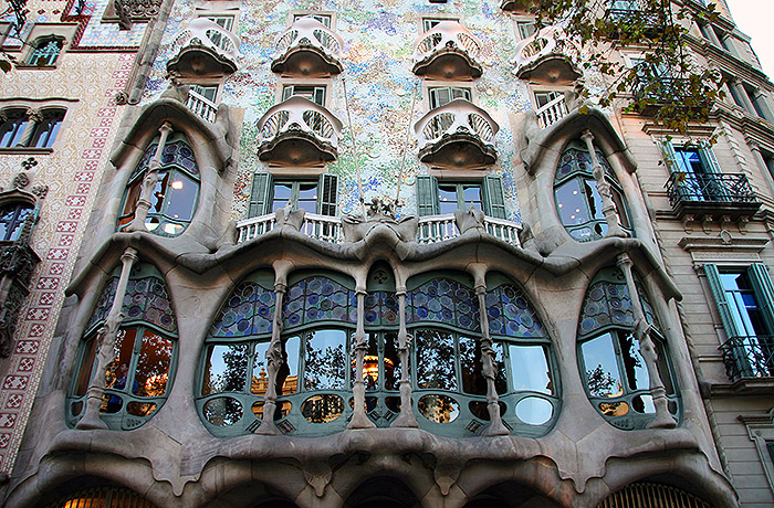 private tours in barcelona gaudi architecture tour 4 hours